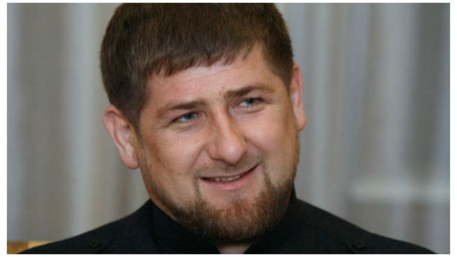 Рамзан Кадыров подарил и. о. главы Крыма бурого медвежонка