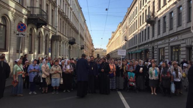В Петербурге отменили ежегодный крестный ход по Невскому проспекту 12 сентября