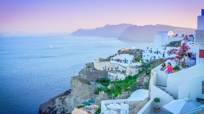 Греция продлила ограничение на въезд туристов из России до 5 октября
