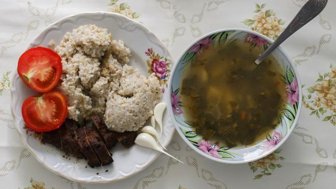 В Гатчинском районе возбудили уголовное дело после обнаружения бактерий в школьных обедах