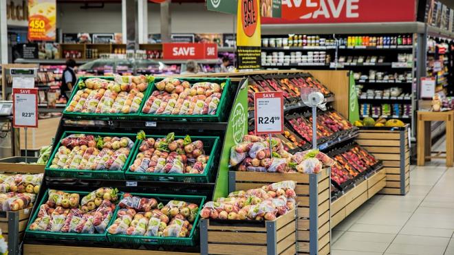 Более тонны запрещённой для ввоза продукции изъяли у петербуржцев на границе
