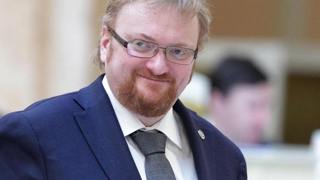 """Милонов отправил депутатов """"Яблока"""" на """"бесовский митинг"""""""