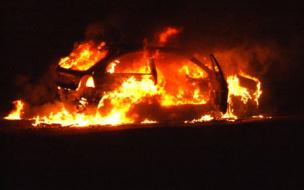 На автостоянке по Гагарина сгорели два автомобиля
