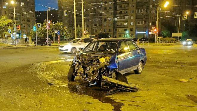 """Пассажирка """"ВАЗ"""" пострадала в результате ДТП с каршерингом в Красногвардейском районе"""
