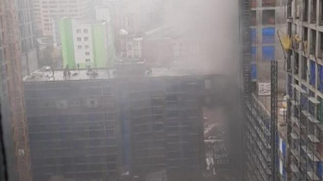 Из горящей новой высотки в Москве эвакуировали 20 человек