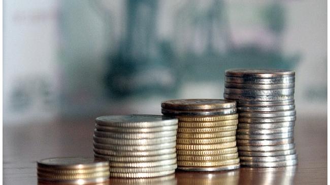Зарплаты врачей повысят до 200% от средней по региону