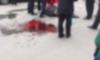В Петербурге мужчина по неизвестным причинам начал биться головой об асфальт