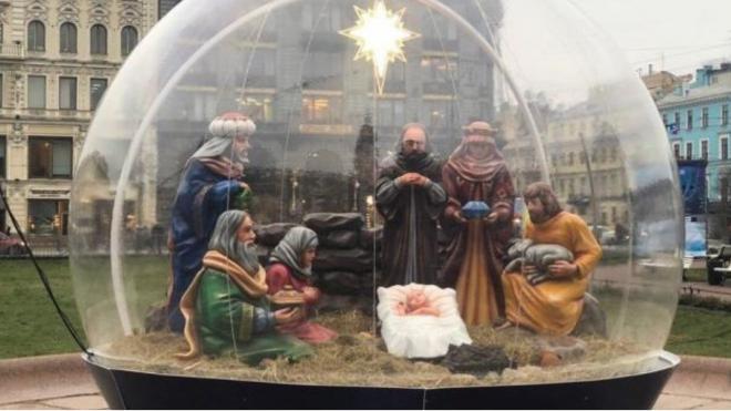 Рождественский вертеп у Казанского собора рассчитан на петербургскую погоду