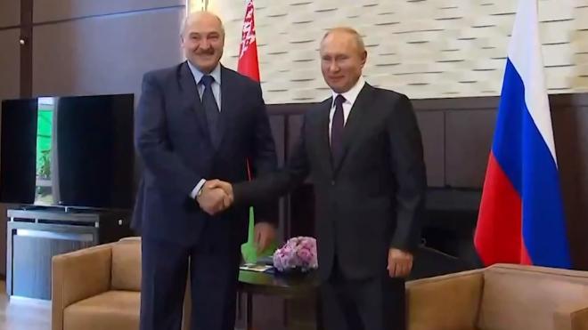 Путин и Лукашенко обсудили по телефону важные вопросы для укрепления отношений между странами