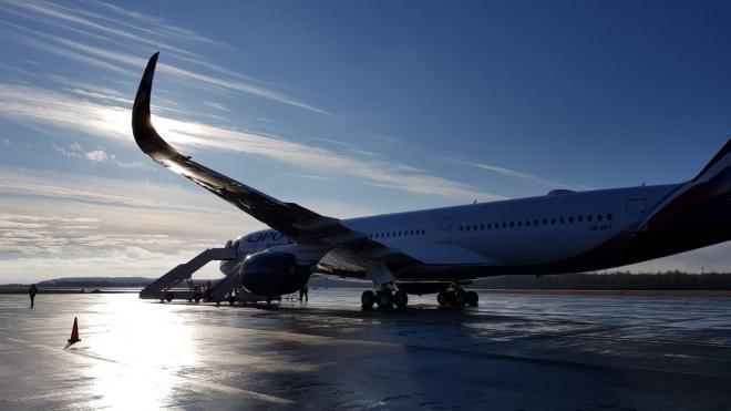 В понедельник в Пулково задержали два рейса и четыре отменили