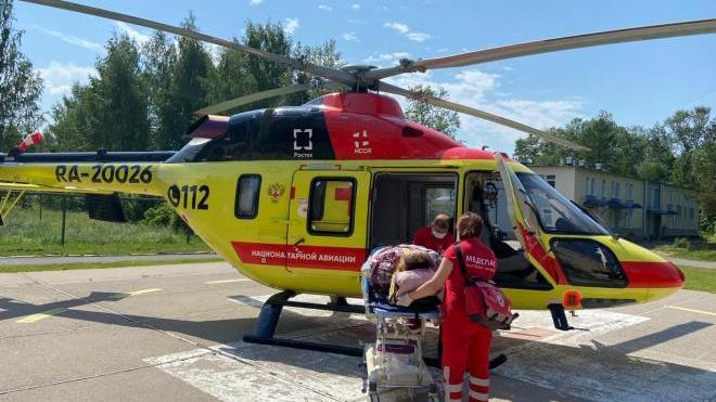 Санавиация помогла пациентке из Тихвина