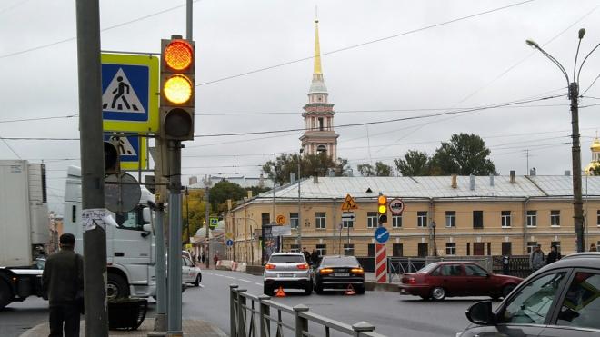 В Петербурге произошло ДТП с участием автомобиля вице-губернатора