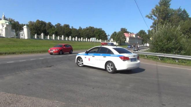 В Петродворцовом районе за тонировку оштрафовали 50 водителей