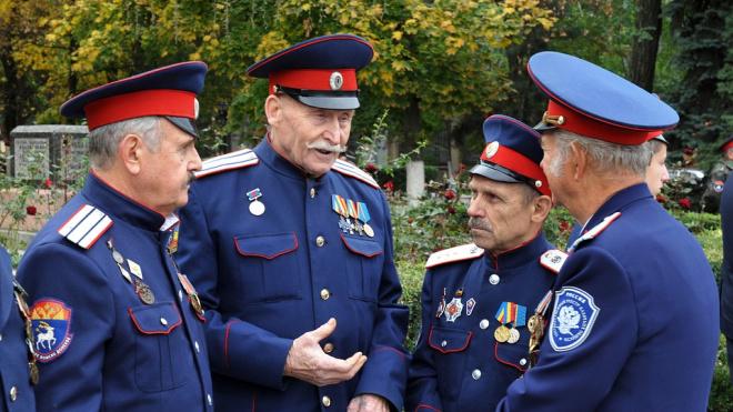 Петербургские казаки намерены отменить новогодние каникулы в обмен на карантин