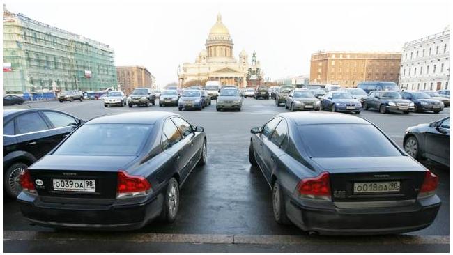Снижение доходов бюджета Петербурга закроют повышением транспортного налога
