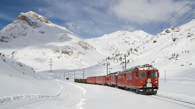 В предпраздничный период между Коми и Петербургом запустят дополнительные поезда