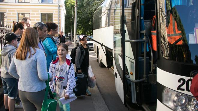 В Выборгском районе начался сезон детских лагерей