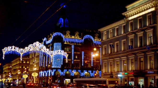 Казанский собор украсят к Новому году за6,5 млн рублей