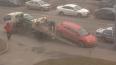 На Богатырском проспекте эвакуаторщик изуродовал Opel пр...
