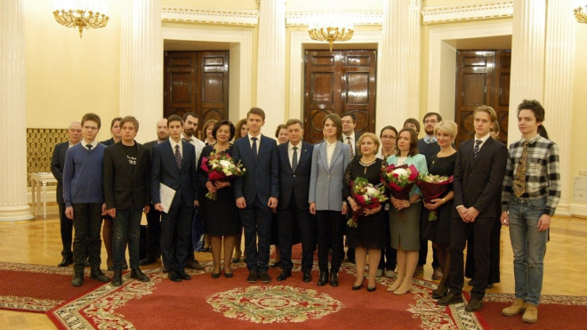 В Мариинском дворце вручили премии петербургским школьникам