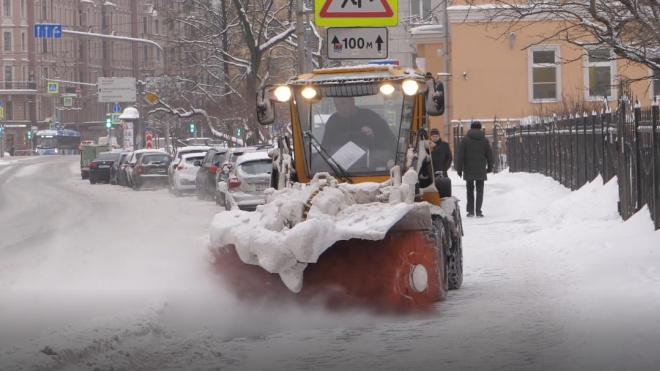 В Петербурге с начала зимы растопили миллион кубометров снега