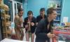 """Горячие парни из """"Девяткино"""" исполнили песню в местном магазине, прикрыв интимные места носками"""