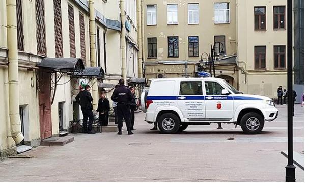 В Петербурге кчайным продавцам нагрянула полиция