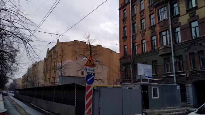 На 11-й линии В.О приостановили работы рядом с домом Чубакова