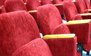 Российские кинотеатры недовольны поправкой петербургского ЗакСа к закону о рекламе