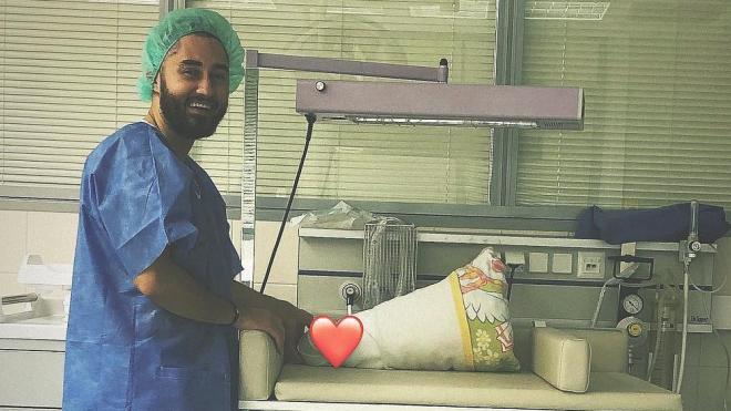 Рэпер Мот показал фото новорожденного сына