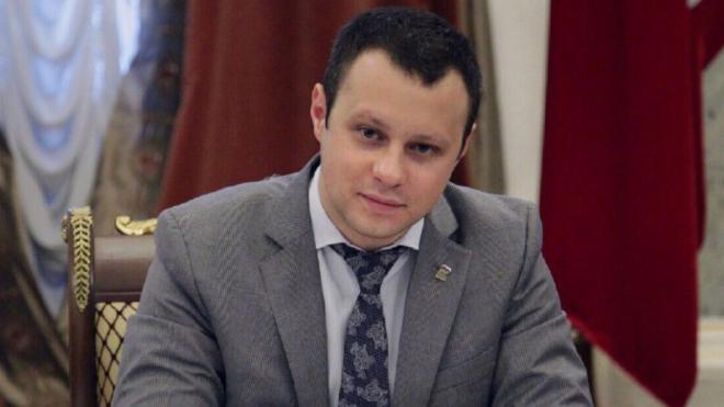 Беглов поздравил депутата ЗакСа Дениса Четырбока с Днем юриста