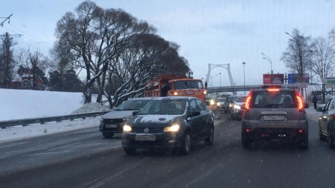 ДТП на Приморском шоссе стало причиной коллапса