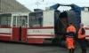 Трамвай развалился пополам на Херсонской улице в Петербурге