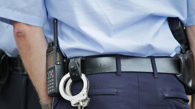 Полиция Гатчины арестовала мужчину, убившего женщину и спалившего ее квартиру