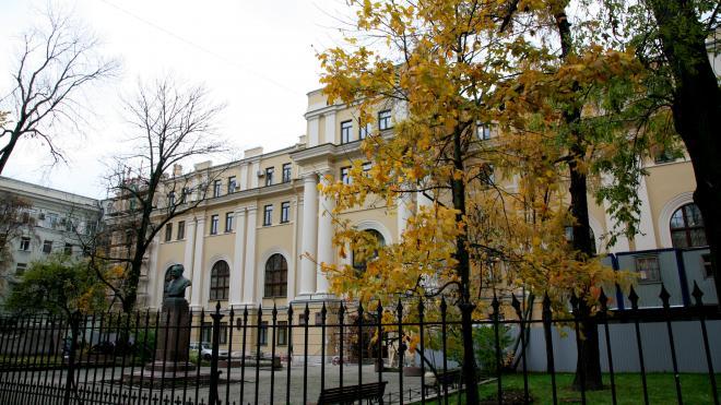 Завершена реставрация главного здания Александринской больницы в Петербурге