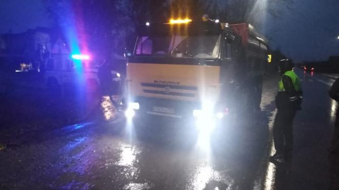В Барнауле на пешеходном переходе КАМАЗ насмерть задавил школьника