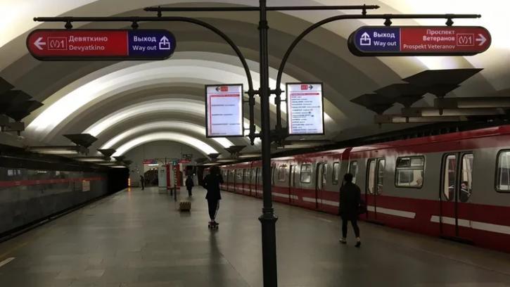 В Петербурге представили статистику степени загруженности линий метро