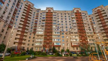 Председатель Жилищного комитета оценил работы по капитальному ремонту в Калининском районе