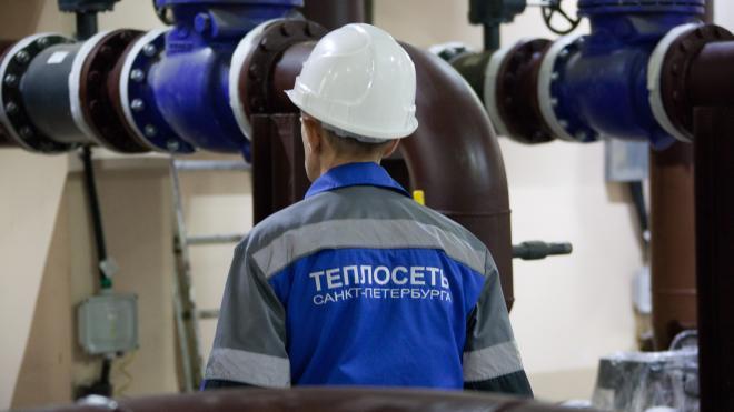 Из-за ненадежного трубопровода жители Адмиралтейского района временно остались без тепла