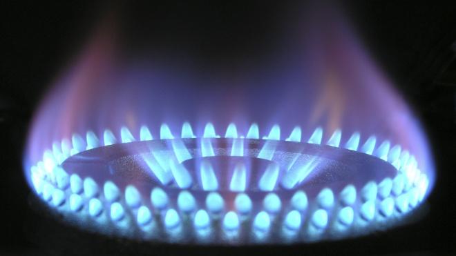 В Петербурге семья из шести человек отравилась газом из колонки