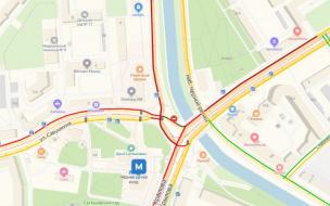 "Авария у метро ""Черная речка"" спровоцировала огромную пробку из трамваев"