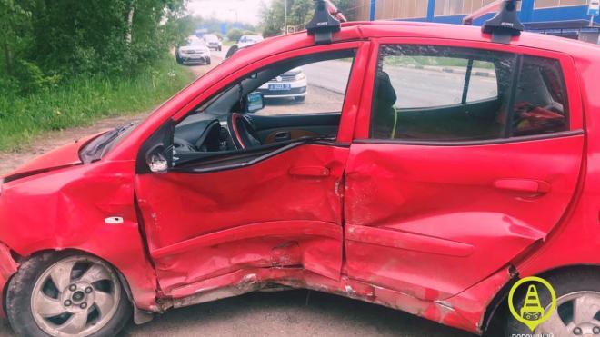В аварии в Кировском районе пострадали двое