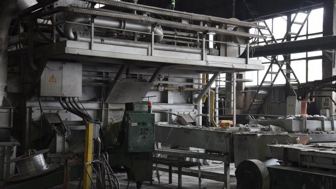 Приставы Невского района заставили завод выплатить зарплату 44 сотрудникам