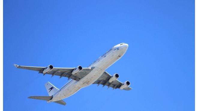 Вооруженный мужчина захватил египетский самолет с 80 пассажирами