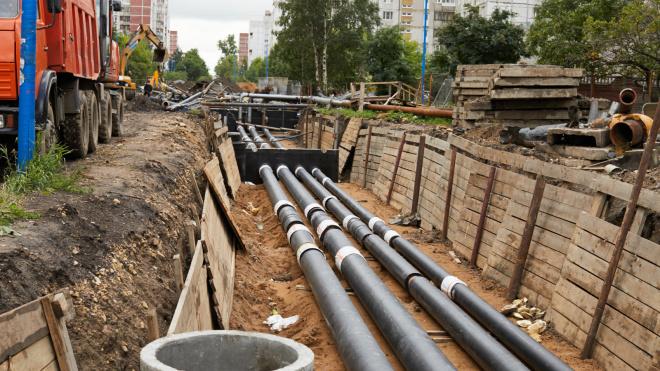 В Петербурге обновили 131 км изношенных теплосетей с начала года