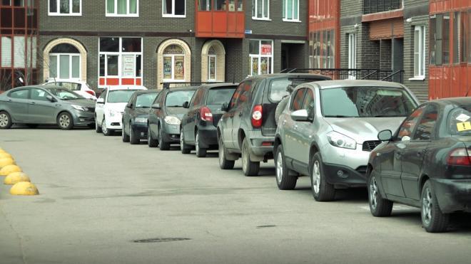 ЗакС попросил губернатора не открывать платную парковку на Маршала Жукова