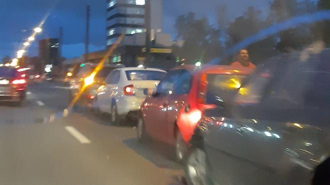 Из-за массового ДТП в Невском районе образовалась пробка