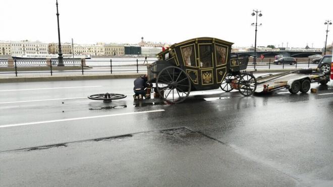 На Васильевском острове пришлось эвакуировать карету