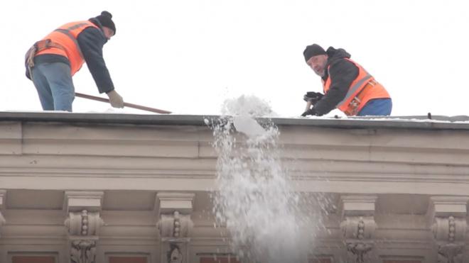 За плохую уборку снега управляющие организации Петербурга оштрафовали на 28 миллионов