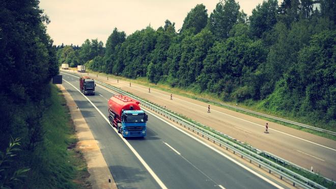 В Тосненском районе грузовик сбил пешехода